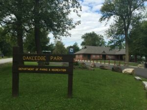 https://www.tripadvisor.com/Attraction_Review-g57201-d106340-Reviews-Oakledge-Burlington_Vermont.html