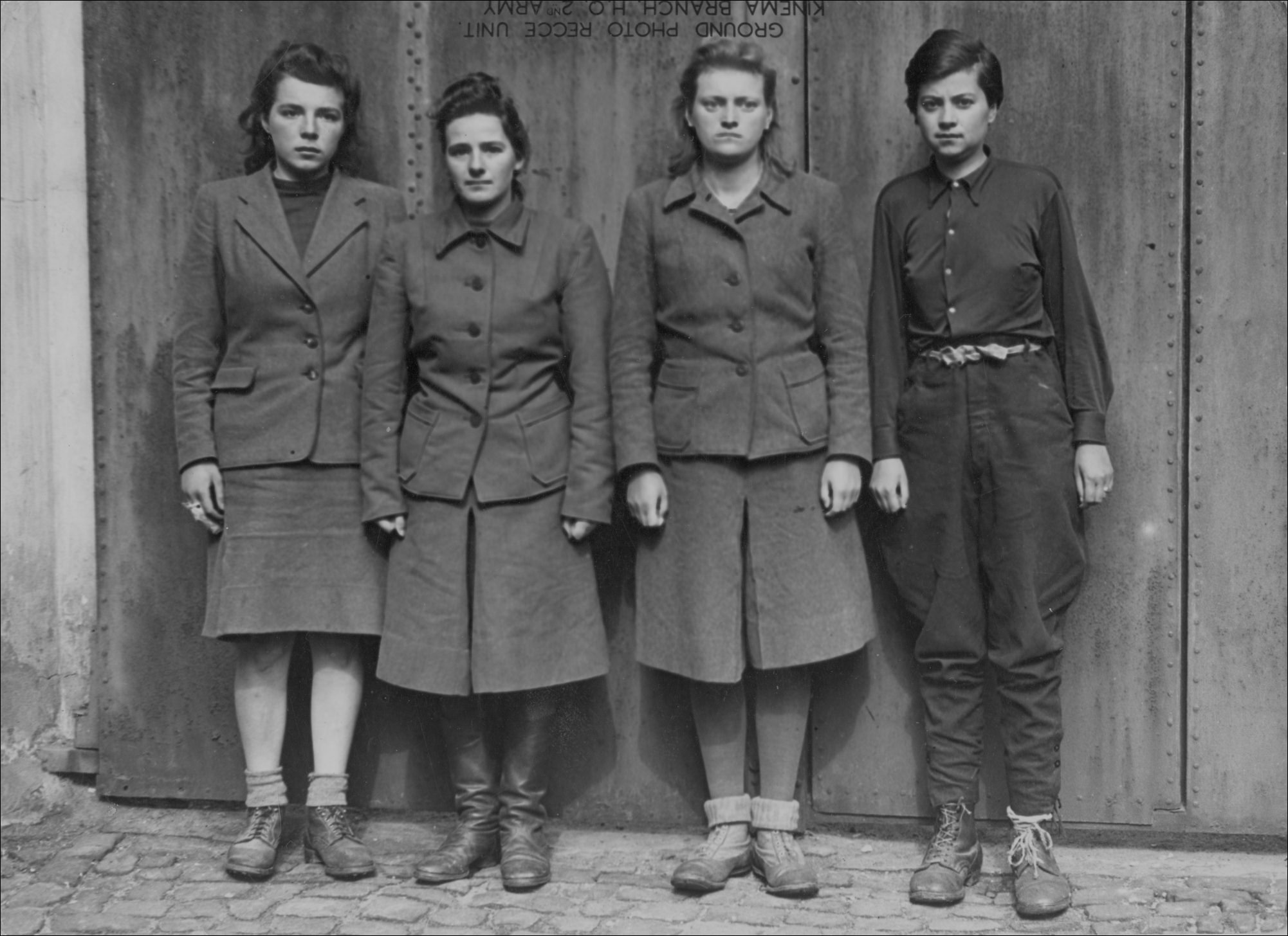 Nazi Women Guards Being Hanged http://blog.uvm.edu/mziegle1/the-ordinary-female-guard/