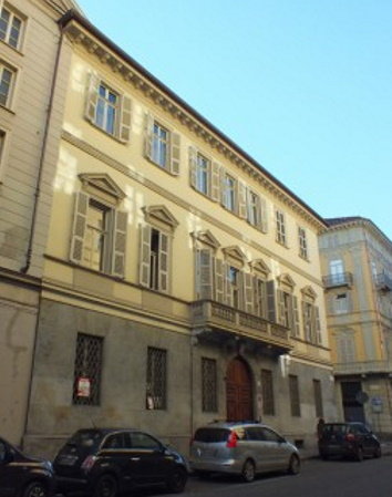 Street view of the Casa d'Angennes.